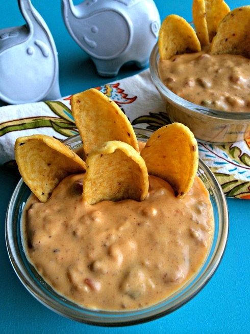 Quick Queso Dip ~ Everyones favorite queso dip made WITHOUT processed cheese ~ The Complete Savorist